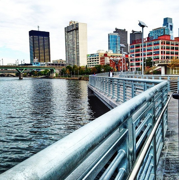 gswach1 (instagram) - Schuylkill Banks Boardwalk